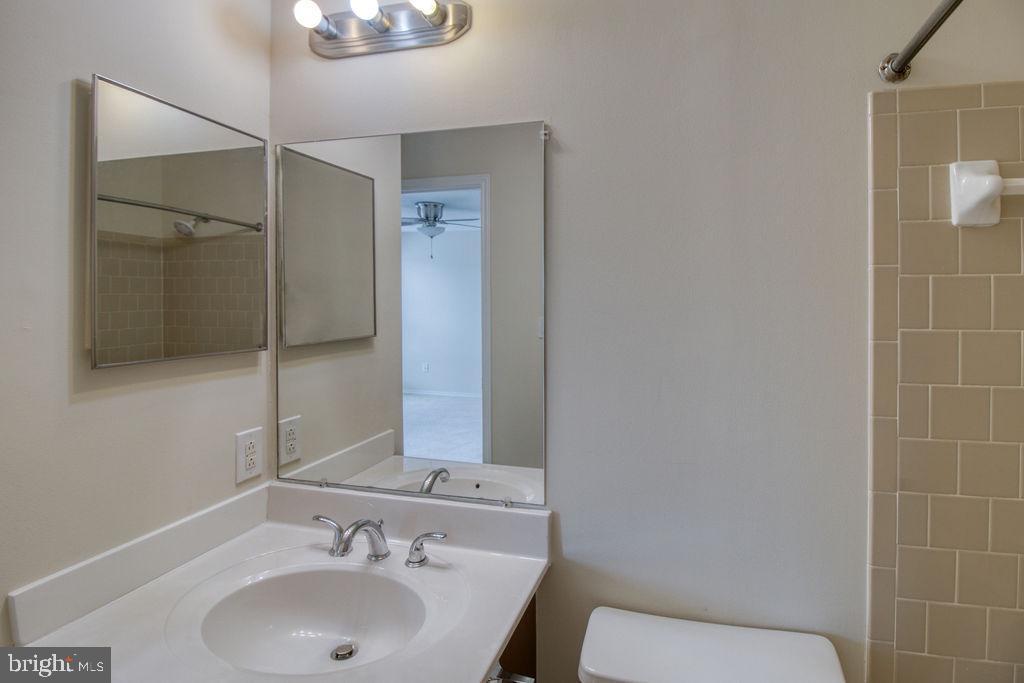 Master Bathroom - 21024 TIMBER RIDGE TER #303, ASHBURN