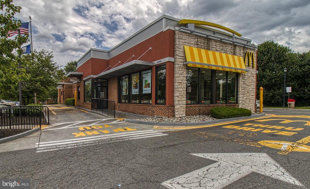 Fast Food Convenience - 21024 TIMBER RIDGE TER #303, ASHBURN