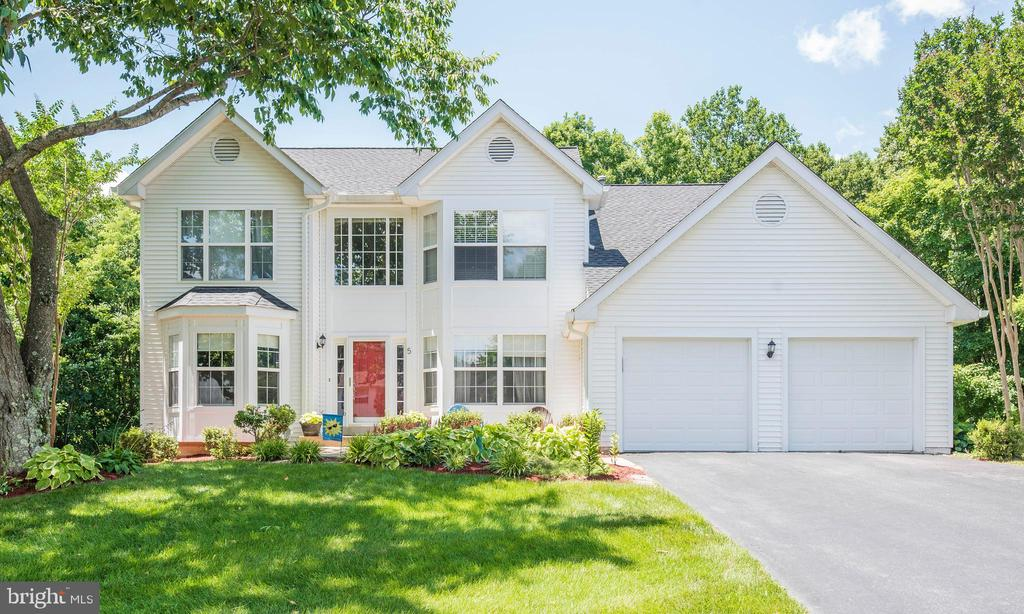 Welcome Home! - 5 WEXWOOD CT, STAFFORD