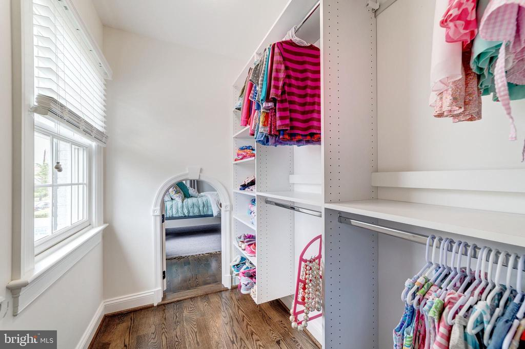 walk-in closet and child size fairy door to BR 3 - 6218 30TH ST N, ARLINGTON