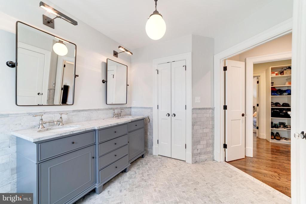 marble topped double vanity and linen closet - 6218 30TH ST N, ARLINGTON