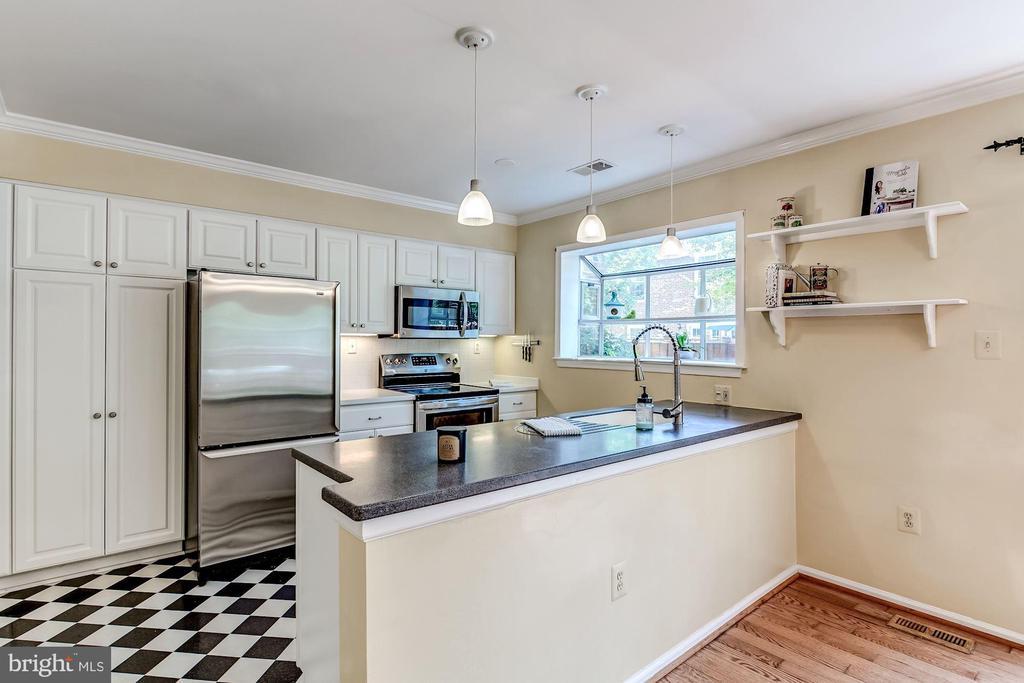 Kitchen - 2424 S WALTER REED DR #3, ARLINGTON