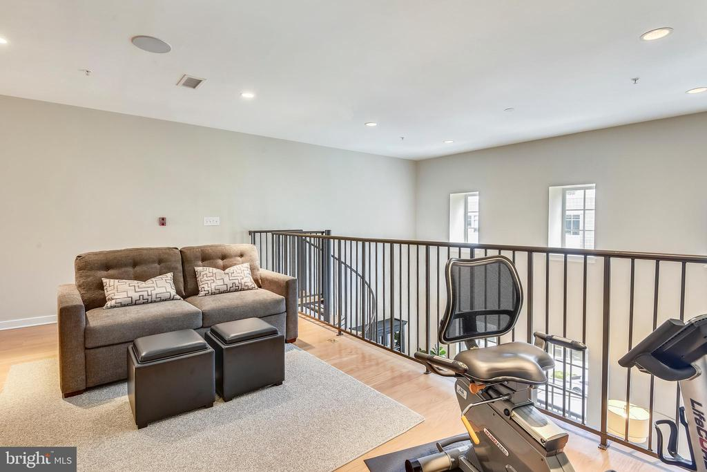 Flexible Loft Space currently being used as a Gym - 1700 CLARENDON BLVD #128, ARLINGTON