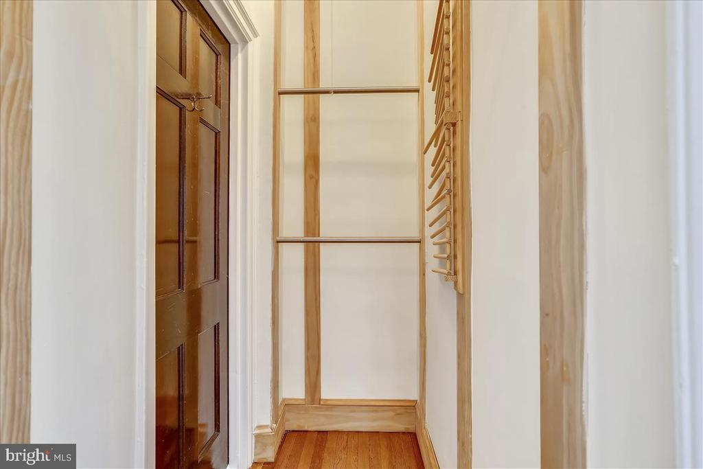 Closets - 3000 TILDEN ST NW #402-I, WASHINGTON