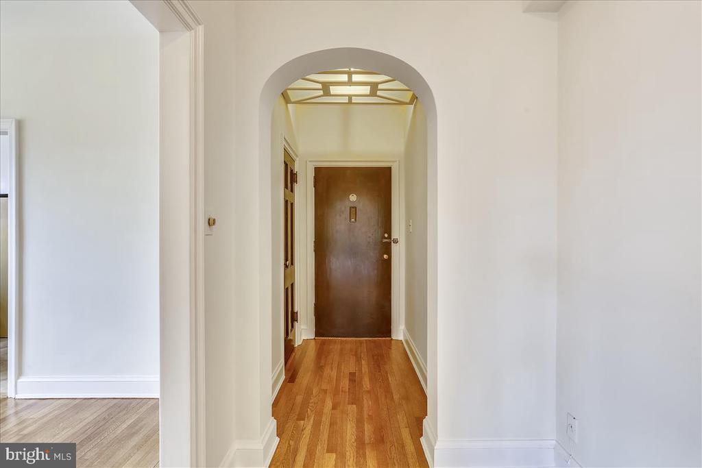 Entrance foyer - 3000 TILDEN ST NW #402-I, WASHINGTON