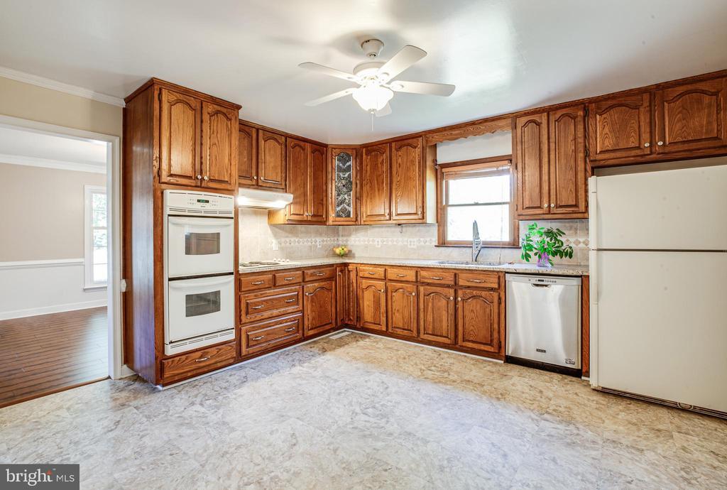 Kitchen - 160 DEACON RD, FREDERICKSBURG