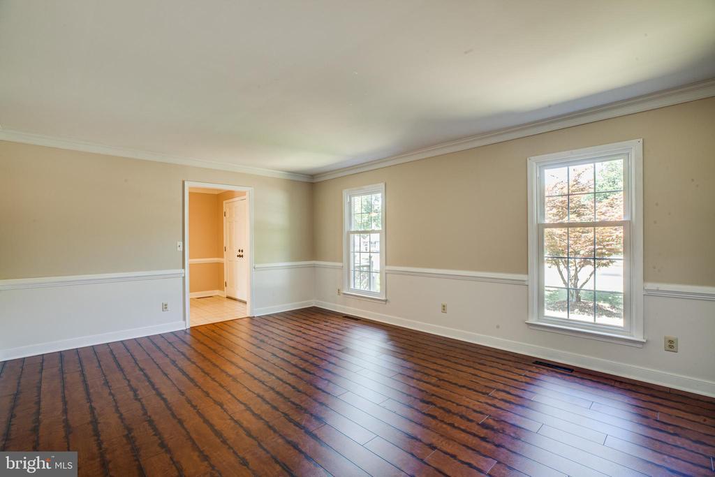living room - 160 DEACON RD, FREDERICKSBURG