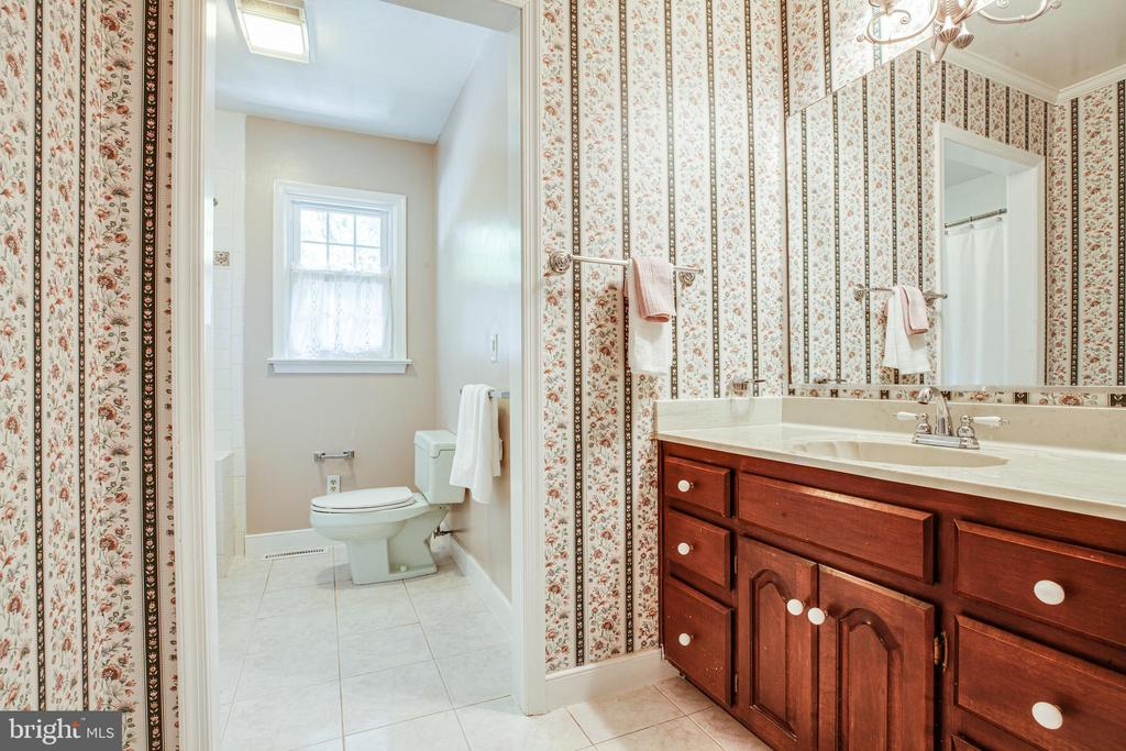 hall bath - 160 DEACON RD, FREDERICKSBURG