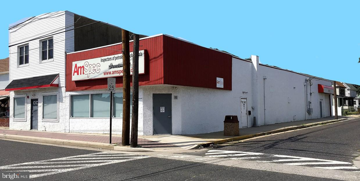 Retail for Sale at Paulsboro, New Jersey 08066 United States