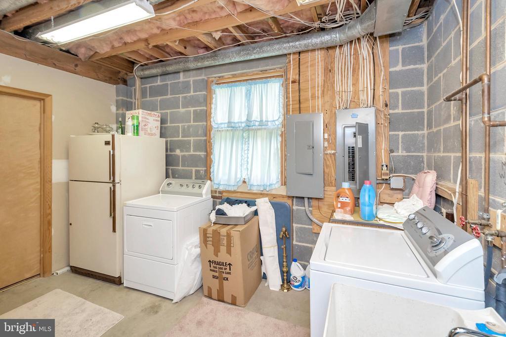 Utility Room - 516 CORNWALLIS AVE, LOCUST GROVE