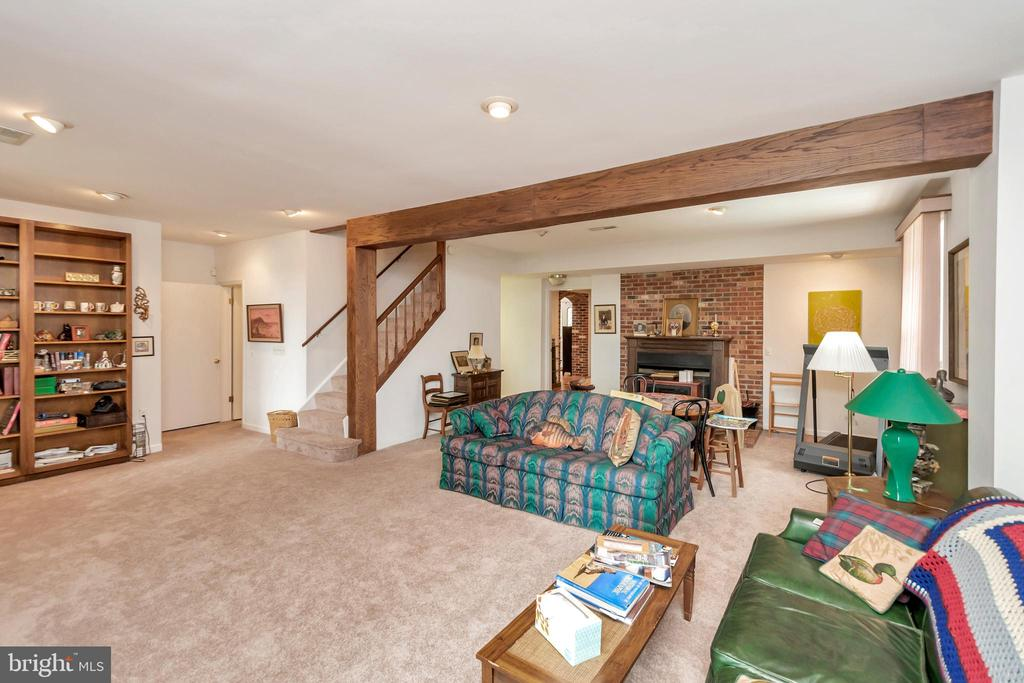 Family Room - 516 CORNWALLIS AVE, LOCUST GROVE
