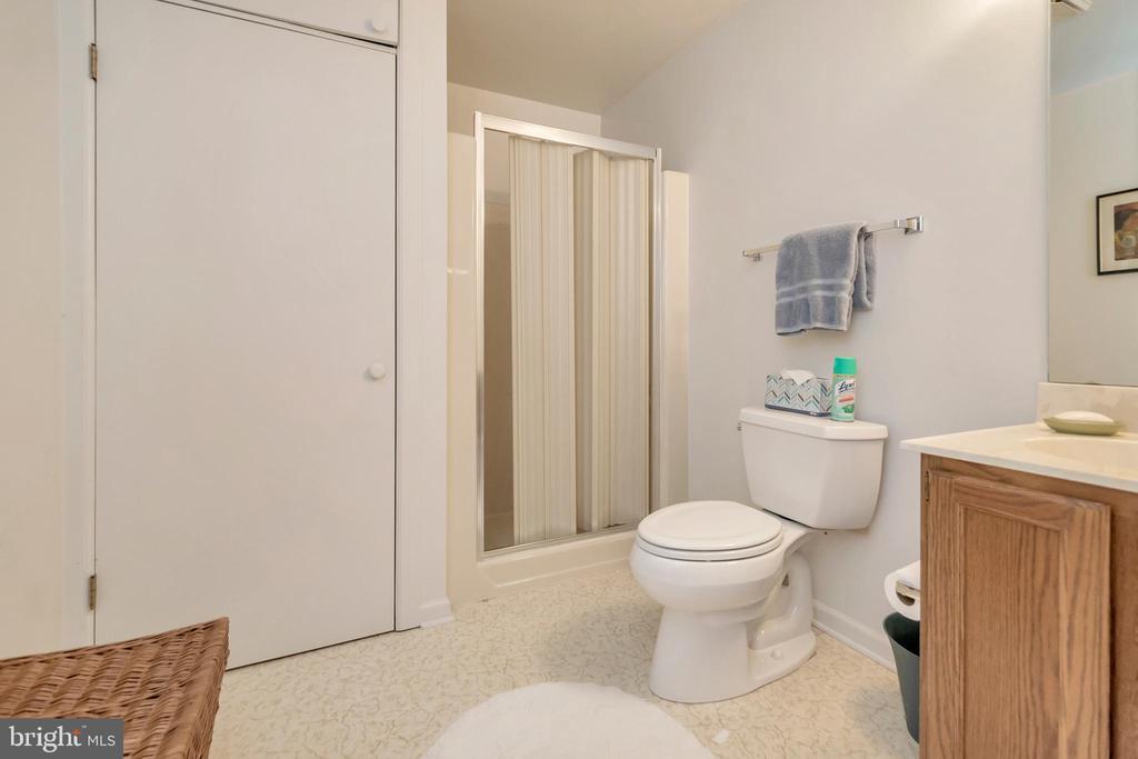 Lower Level Bath - 516 CORNWALLIS AVE, LOCUST GROVE