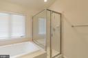 Master Bath - 16378 GANGPLANK LN, WOODBRIDGE
