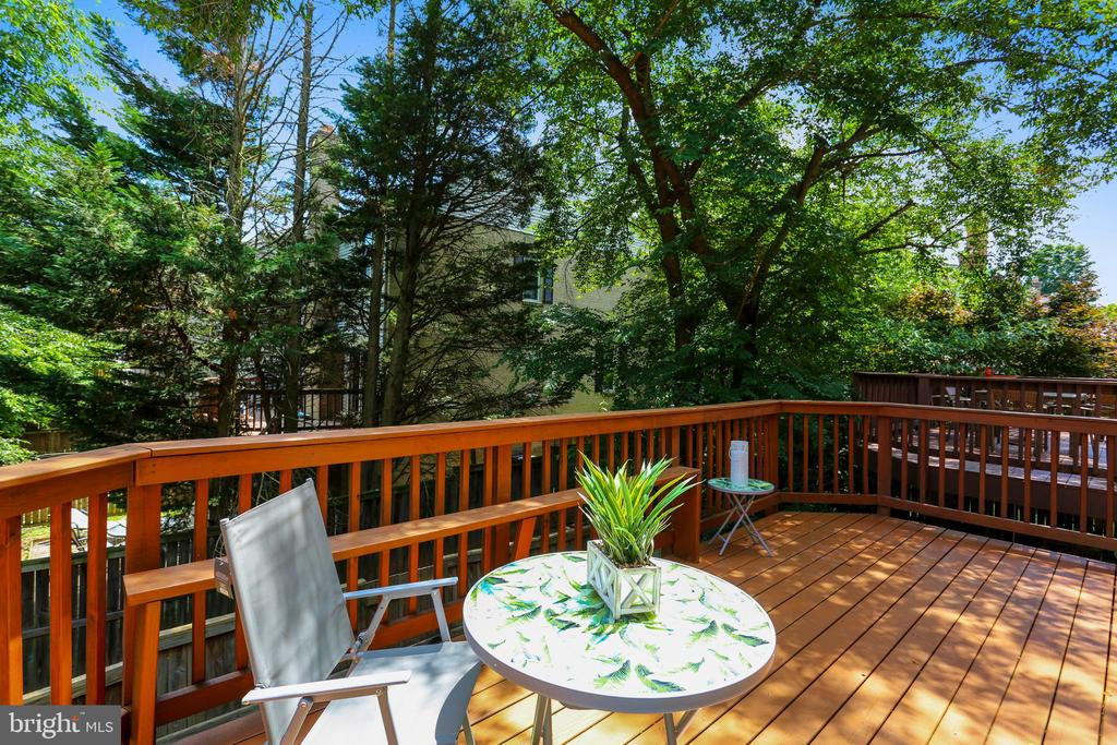 Deck - 8 CEDARWOOD CT, NORTH BETHESDA