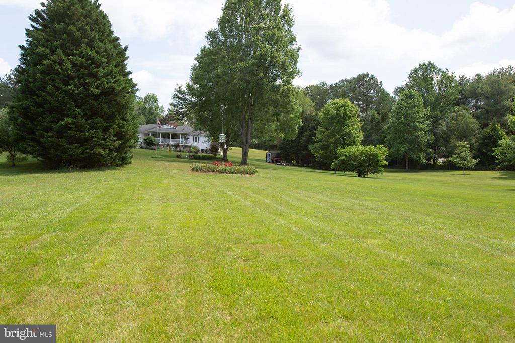 Gorgeous back yard - 3600 MORNING GLORY RD, BUMPASS