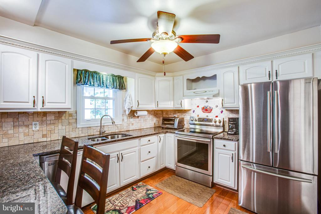 Updated Kitchen - 3600 MORNING GLORY RD, BUMPASS