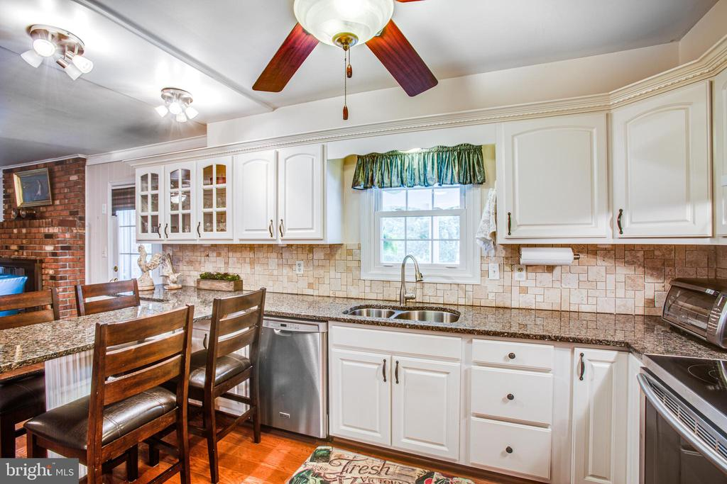 Kitchen - 3600 MORNING GLORY RD, BUMPASS