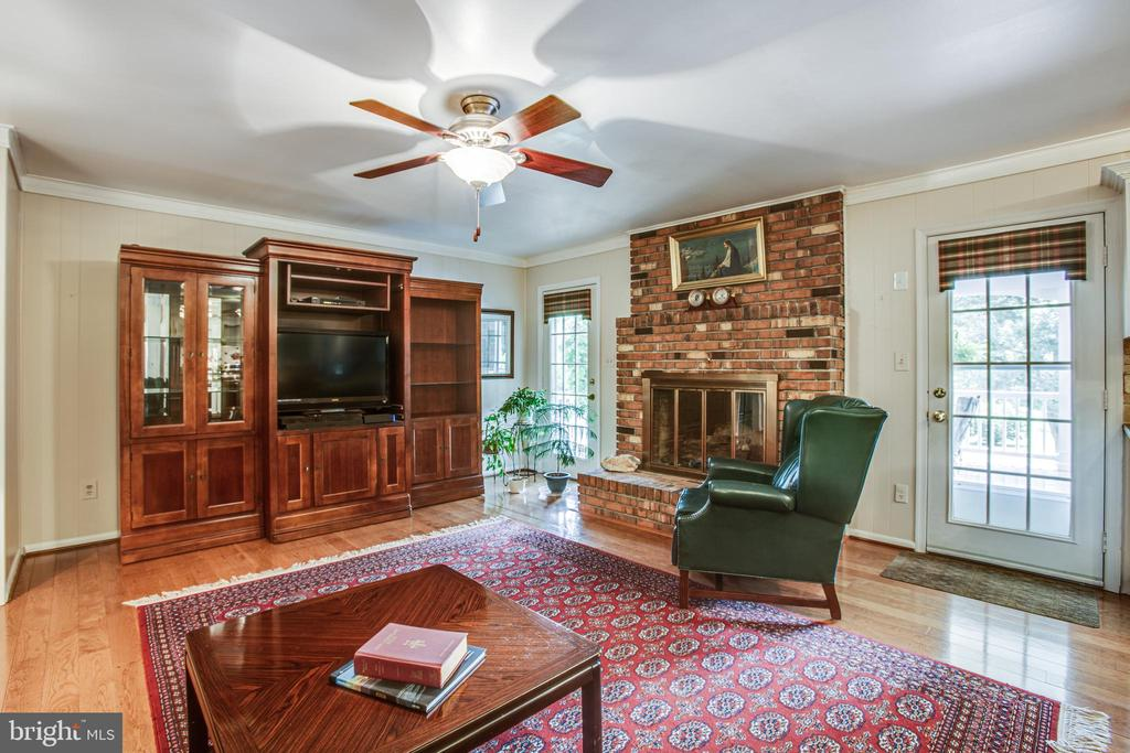 Huge Family Room w/gas fireplace - 3600 MORNING GLORY RD, BUMPASS