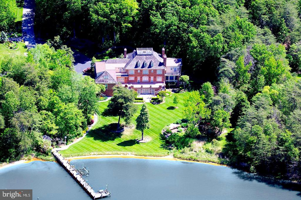Spectacular Waterfront Home W/ Rare Private Beach! - 659 ROCK COVE LN, SEVERNA PARK