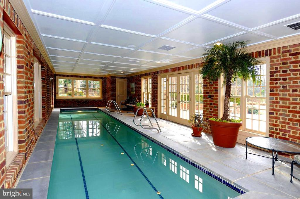 Year Round Swimming in your Beautiful Indoor Pool! - 659 ROCK COVE LN, SEVERNA PARK