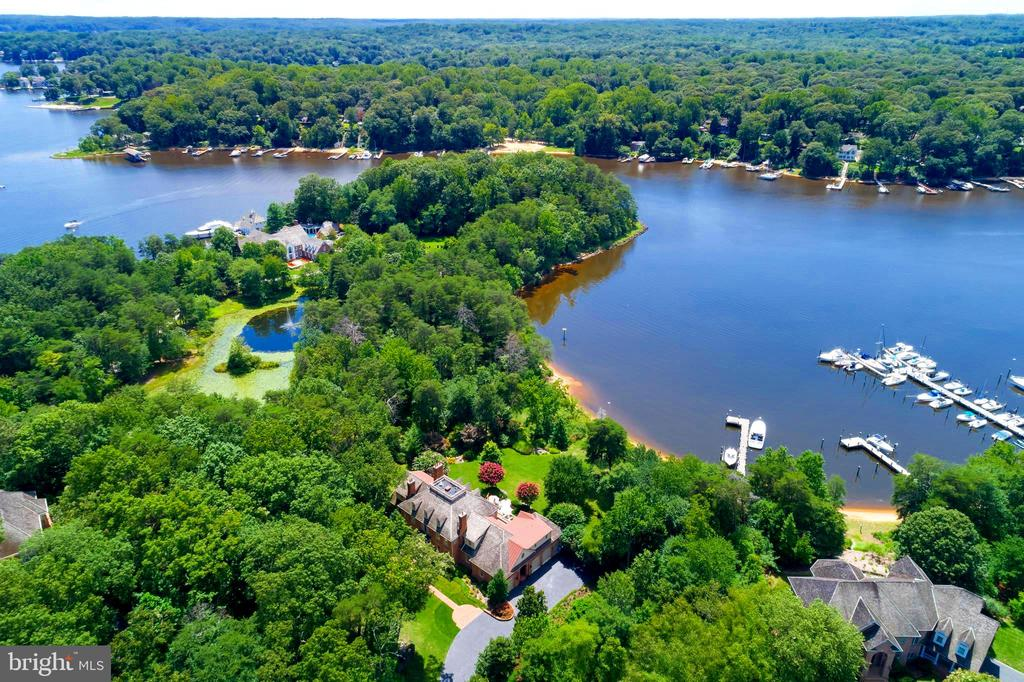 Private Setting, Protected Cove and Beach - 659 ROCK COVE LN, SEVERNA PARK