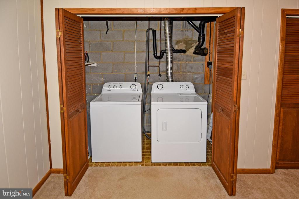 Washer and dryer in finished area of basement. - 43581 LOST CORNER RD, LEESBURG