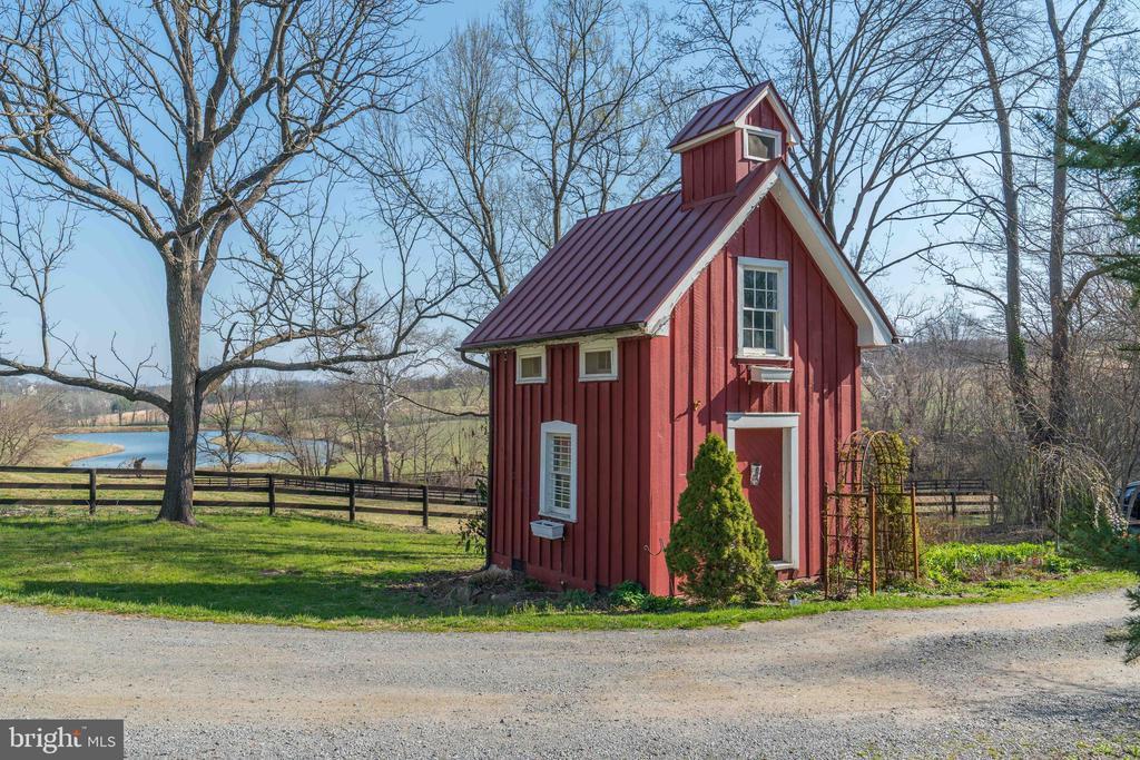 Original School House - 16001 OLD WATERFORD RD, PAEONIAN SPRINGS