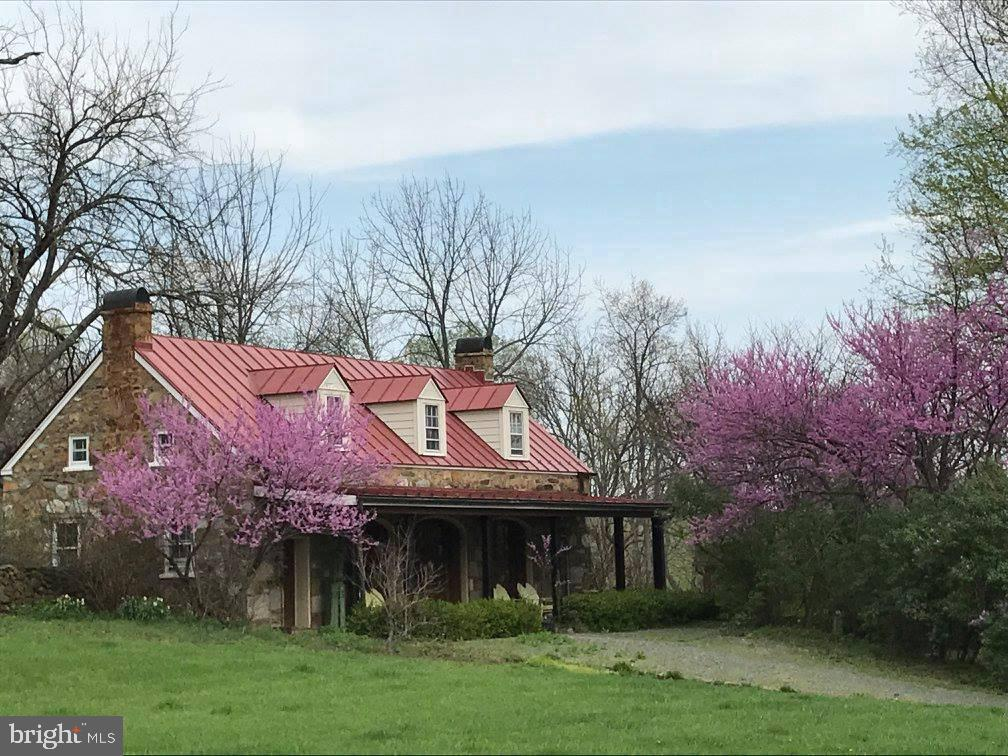Original Carriage House - 16001 OLD WATERFORD RD, PAEONIAN SPRINGS