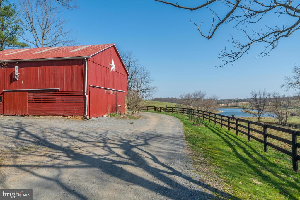 2-Story Barn - 16001 OLD WATERFORD RD, PAEONIAN SPRINGS