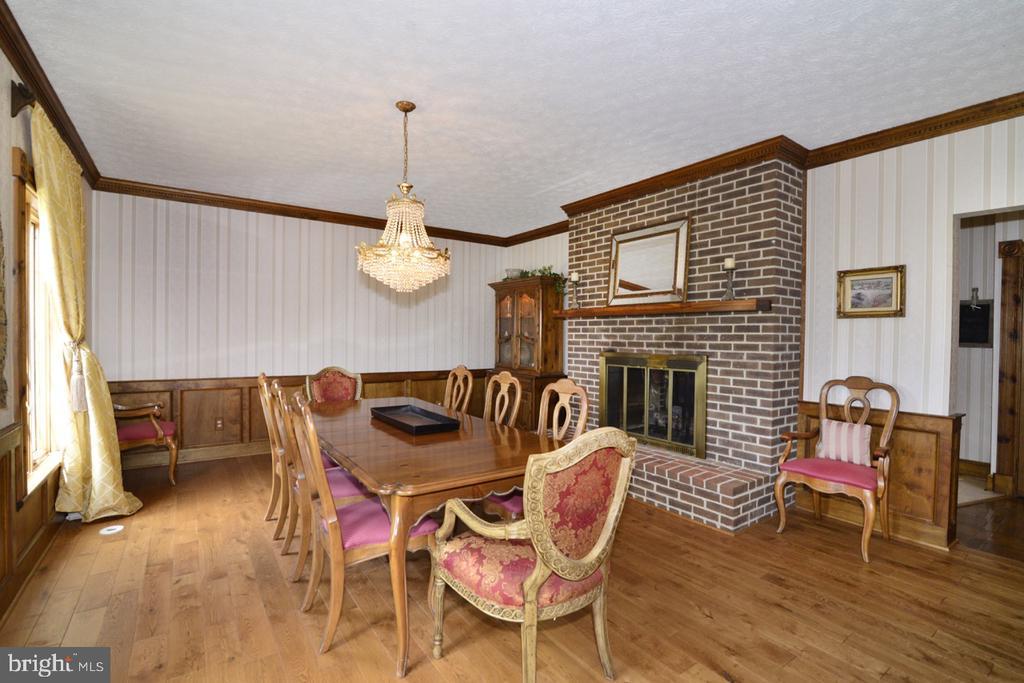 Dining room with fireplace - 346 SALEM CHURCH RD, BOYCE