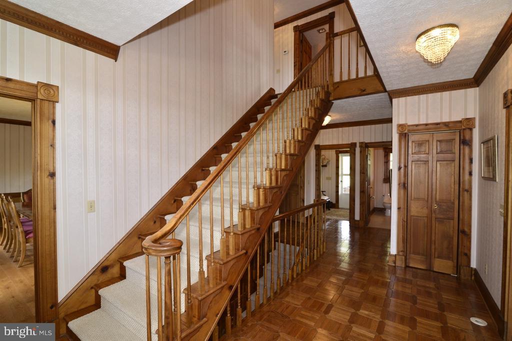 Foyer - 346 SALEM CHURCH RD, BOYCE