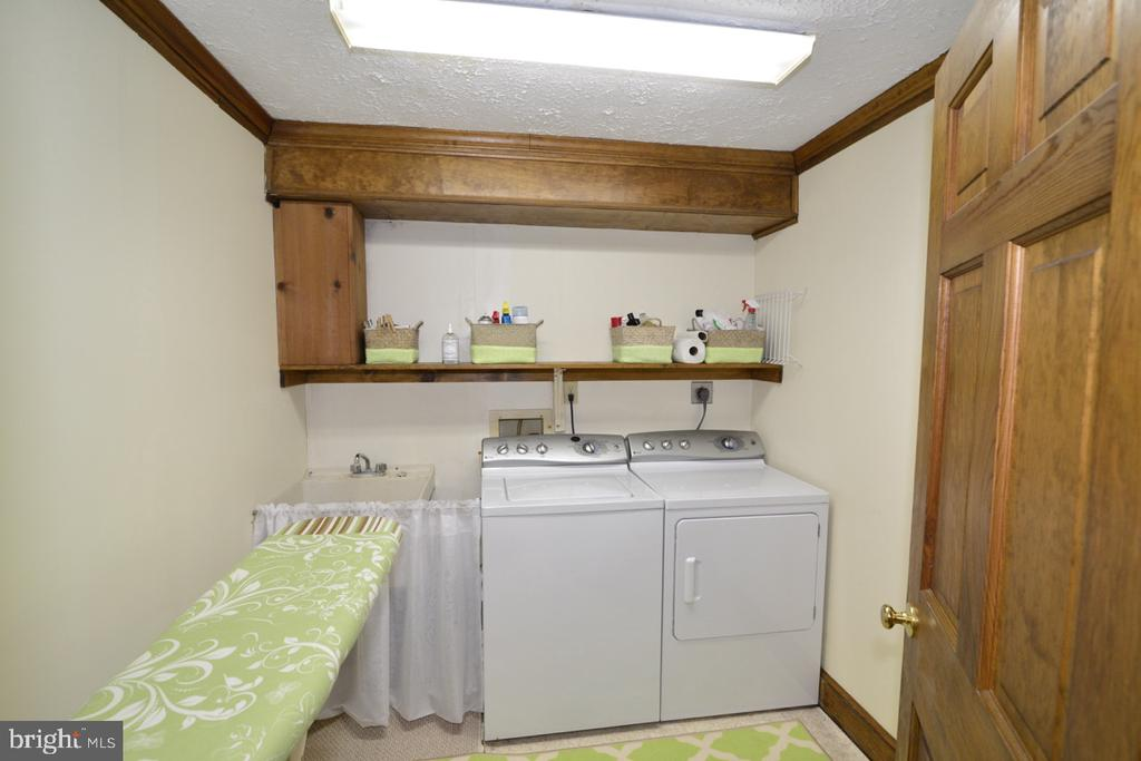Spacious Wash  room - 346 SALEM CHURCH RD, BOYCE