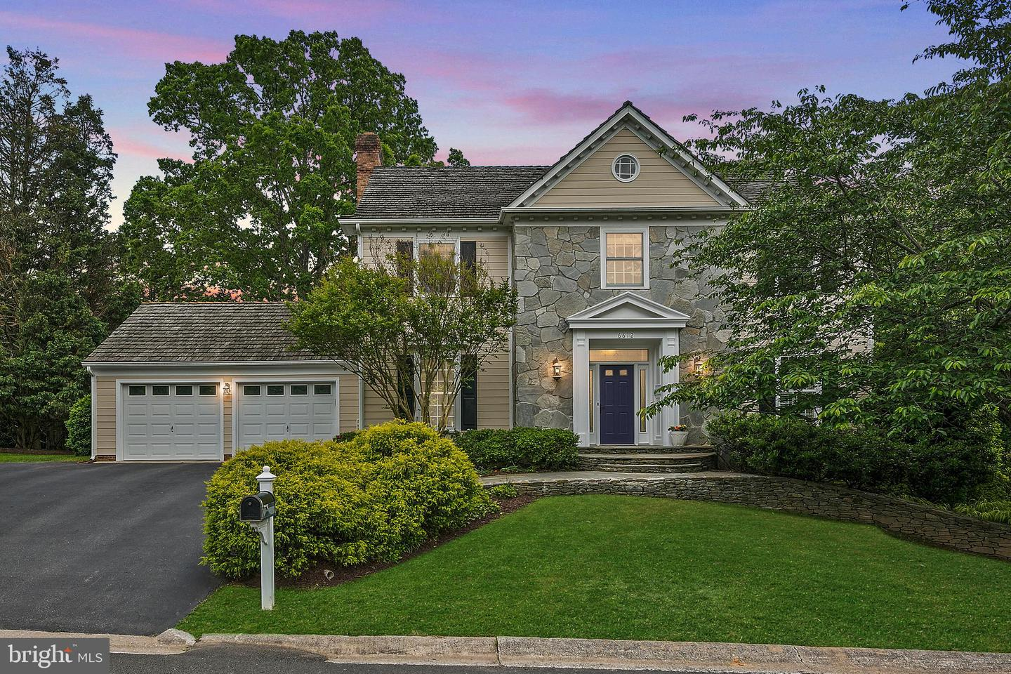 Single Family for Sale at 6612 Quaker Ridge Rd North Bethesda, Maryland 20852 United States