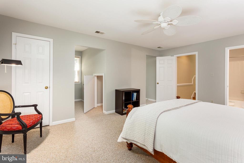 Bedroom 2 en Suite - 10735 BEECHNUT CT, FAIRFAX STATION