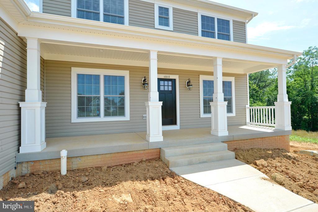Front porch - 3 CLARA MAE COURT, ROUND HILL