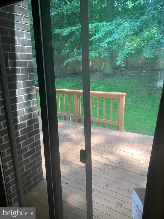 Family Room Sliding Door To Deck - 6012 VALERIAN LN, NORTH BETHESDA