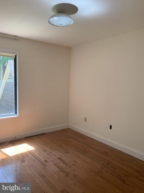 Third Bedroom - 6012 VALERIAN LN, NORTH BETHESDA
