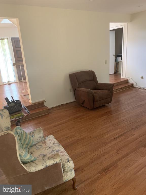 Family Room - 6012 VALERIAN LN, NORTH BETHESDA