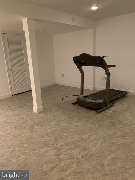 Basement Recreation Room - 6012 VALERIAN LN, NORTH BETHESDA