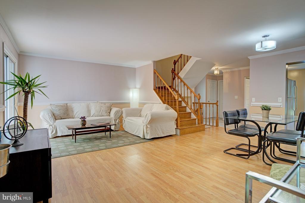 Open floor plan - 5994 POWELLS LANDING RD, BURKE