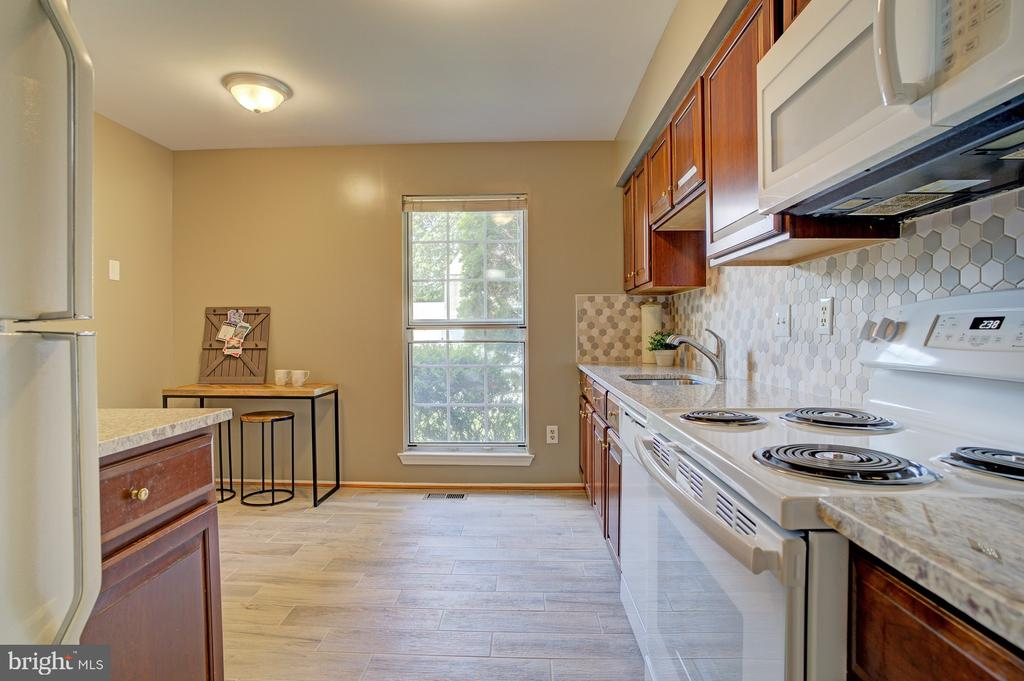 New stove, microwave, dishwasher - 5994 POWELLS LANDING RD, BURKE