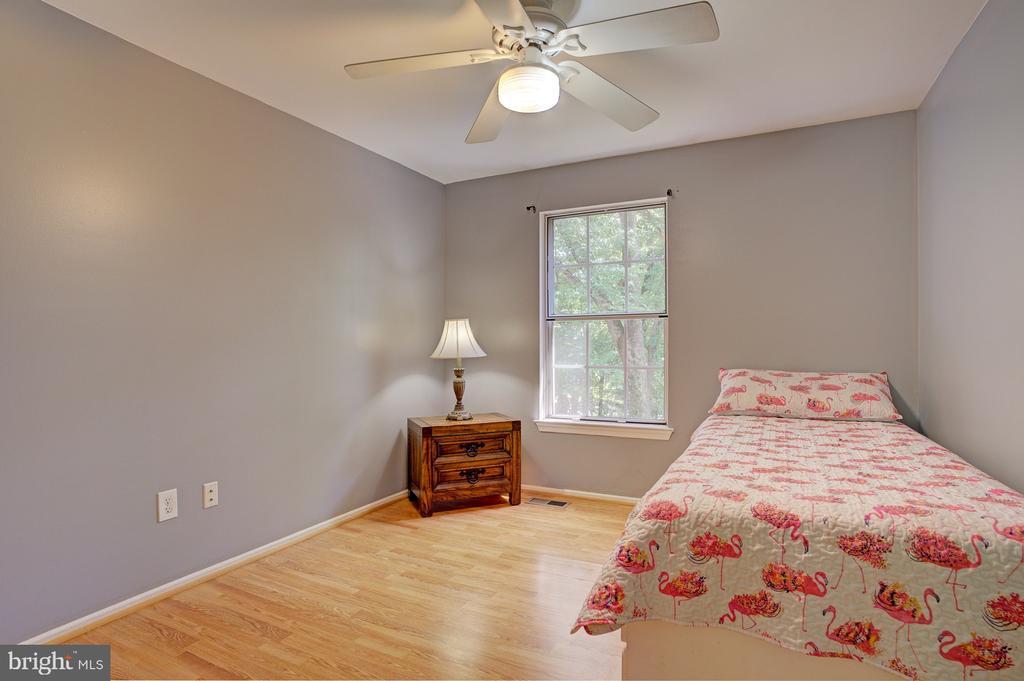 Upper level 3rd bedroom - 5994 POWELLS LANDING RD, BURKE