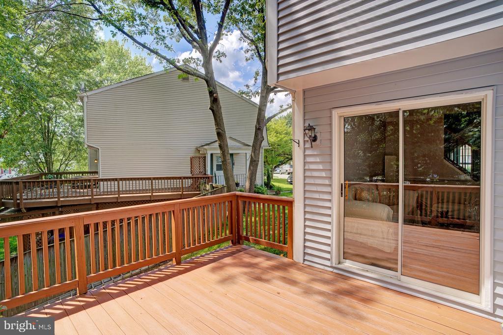 Deck access off living room - 5994 POWELLS LANDING RD, BURKE
