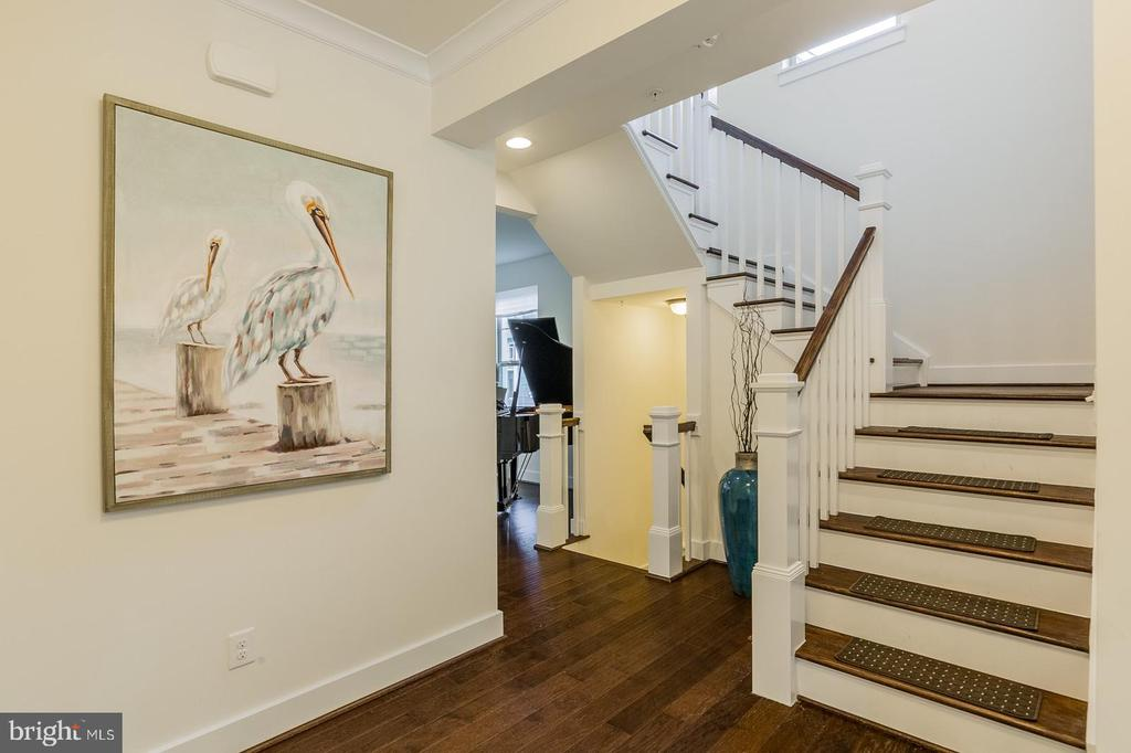 The home has a coastal cottage feel - 2232 POTOMAC RIVER BLVD, DUMFRIES