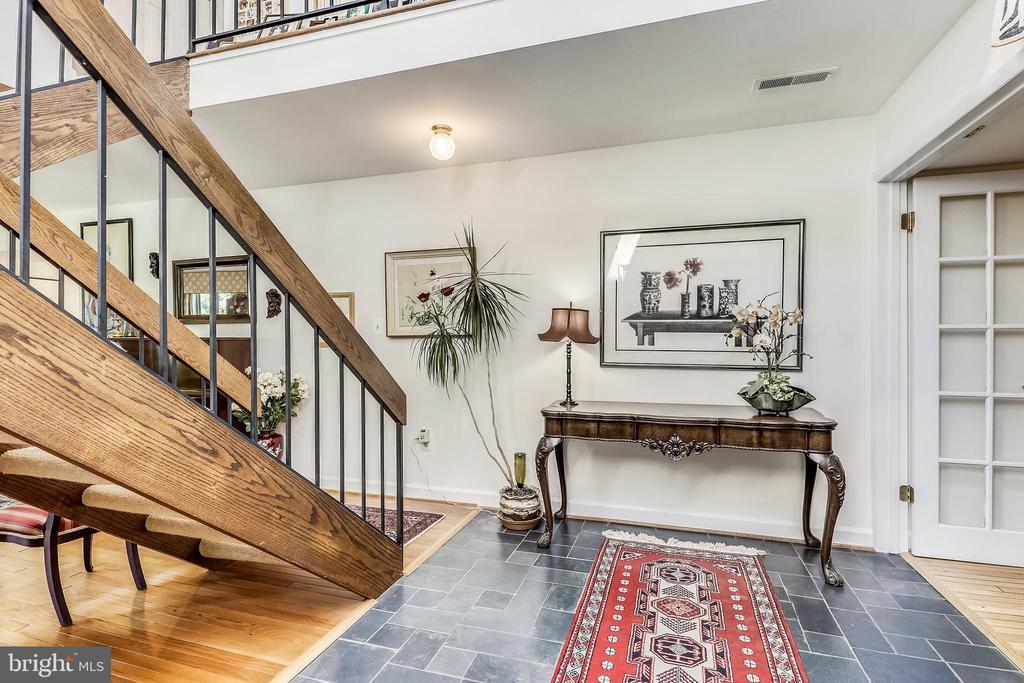 Roomy foyer features slate floors, fresh paint - 10733 CROSS SCHOOL RD, RESTON
