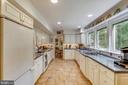 Remodeled kitchen w/Corian counters, ceramic floor - 10733 CROSS SCHOOL RD, RESTON