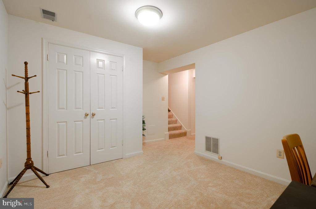 Also part of the au pair suite - 4621 TAPESTRY DR, FAIRFAX
