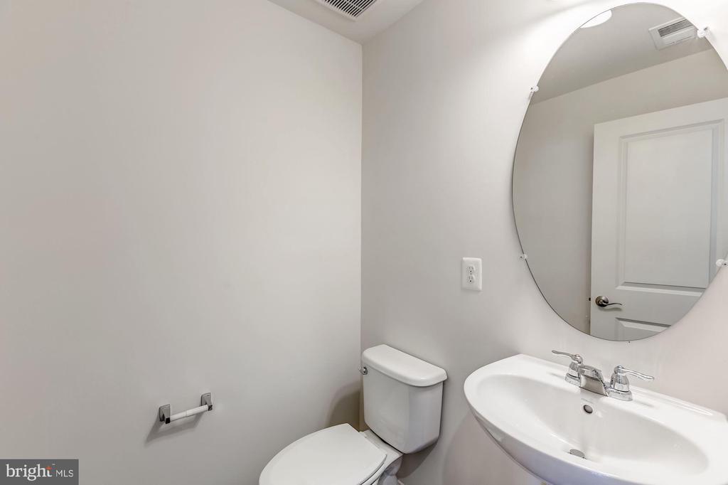 Powder Room - 131 TOLOCKA TER NE, LEESBURG