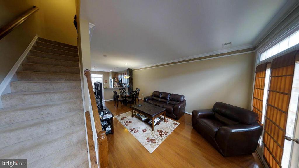 Hardwood floors - 15726 JOHN DISKIN CIR #147, WOODBRIDGE