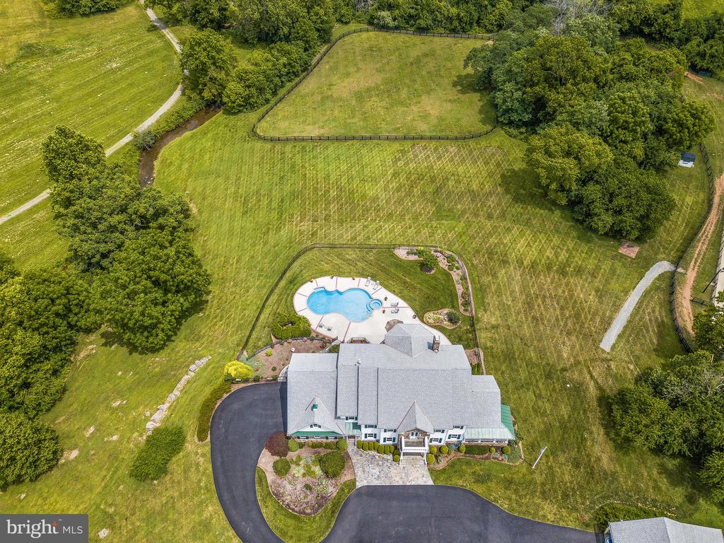 - 17100 TWIN MAPLE LN, LEESBURG